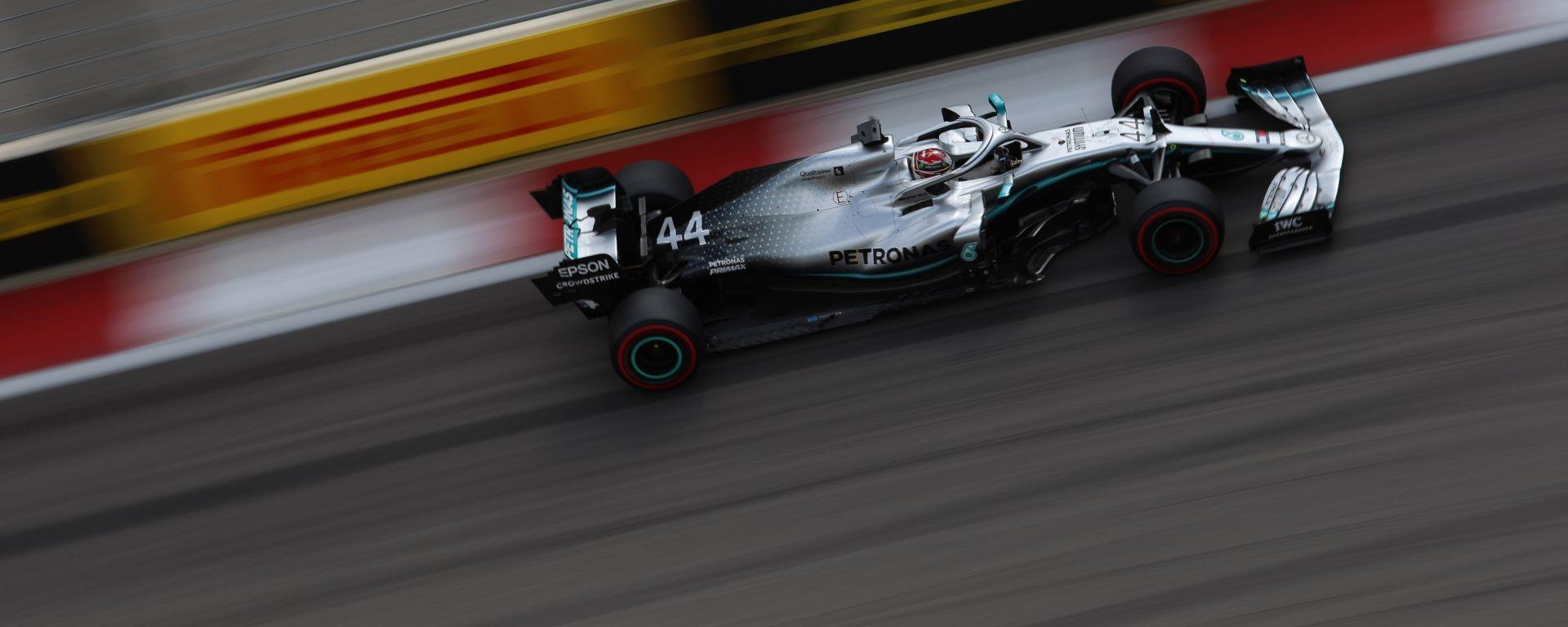GP Russia 2019: Hamilton-Bottas, la Mercedes beffa la Ferrari