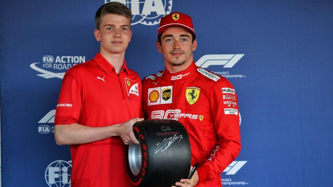 F1 GP Russia 2019, Sochi: Robert Shwartzman con Charles Leclerc (Scuderia Ferrari)