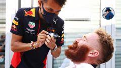 F1, GP Russia 2020: Albon nel ruolo di barbiere