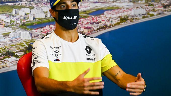 F1, GP Russia 2020: Daniel Ricciardo dimostra la dimensione dei suoi attributi