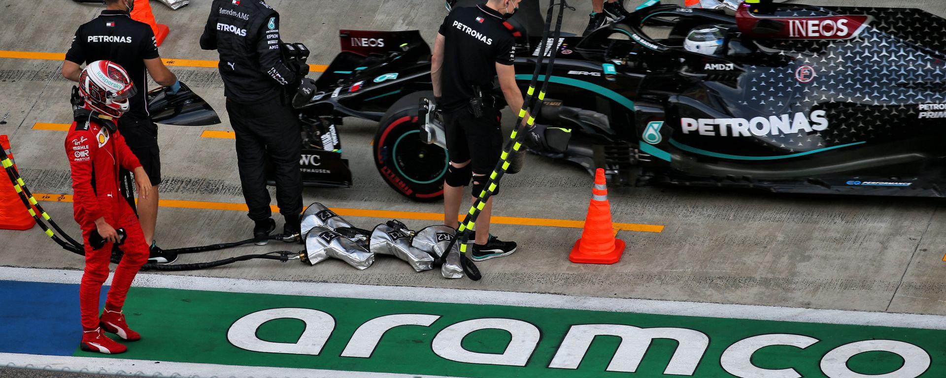 F1 GP Russia 2020, Sochi: Charles Leclerc (Scuderia Ferrari) a testa bassa dopo l'eliminazione in Q2