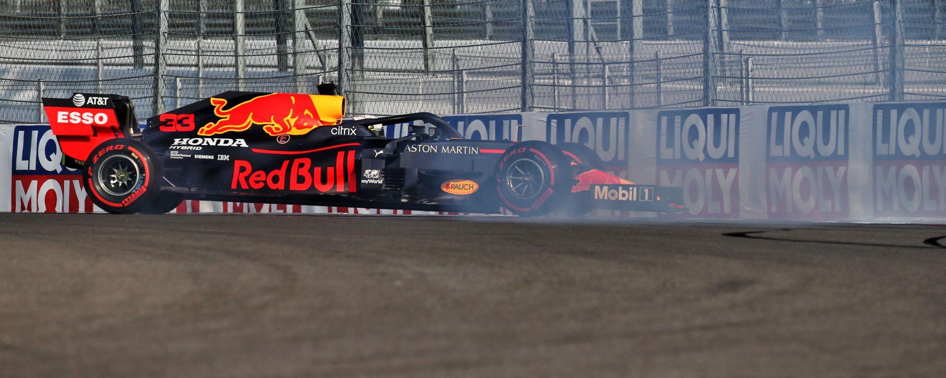F1 GP Russia 2020, Sochi: il testacoda di Max Verstappen (Red Bull) nelle PL2