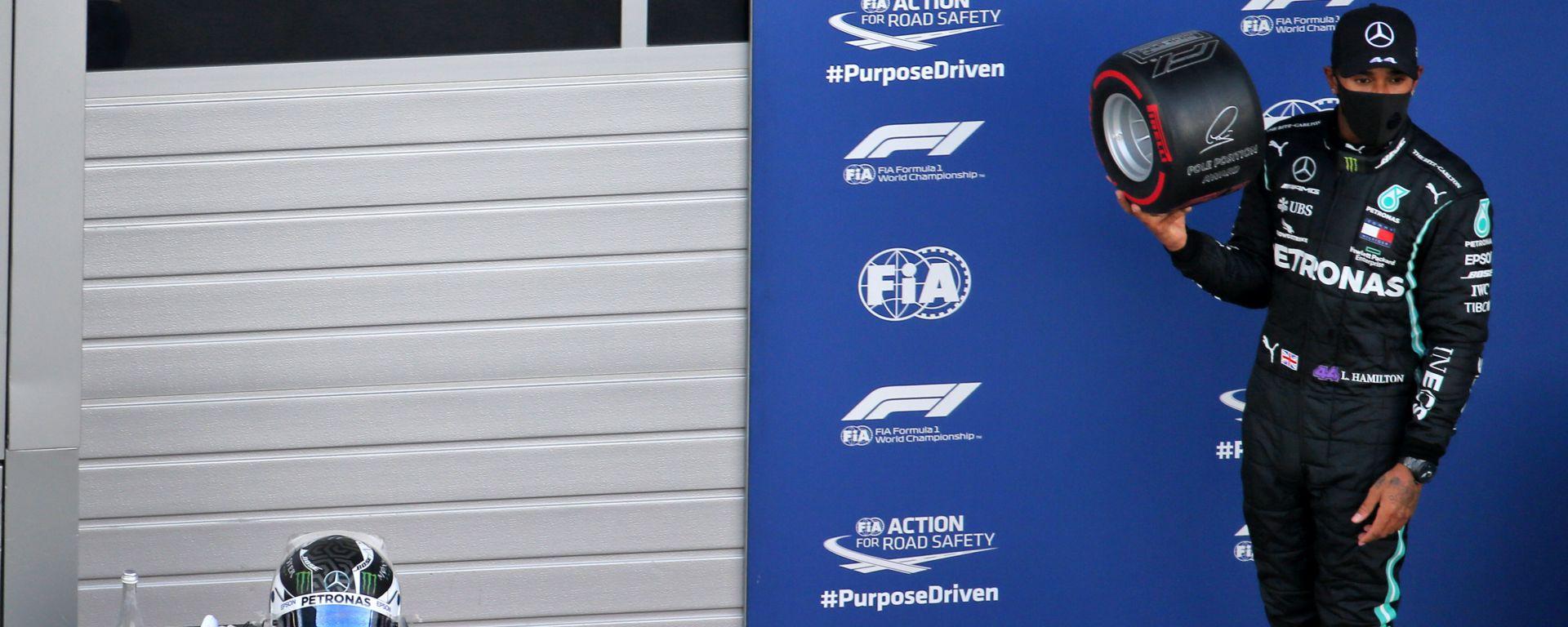 F1 GP Russia 2020, Sochi: Lewis Hamilton (Mercedes AMG F1) festeggia la pole position
