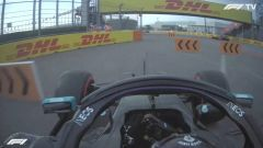 F1 GP Russia 2020, Sochi: Lewis Hamilton (Mercedes AMG F1) taglia curva-2 in Q2