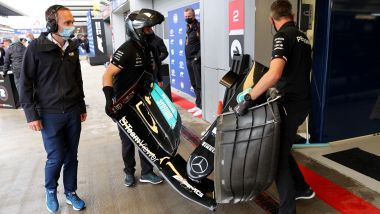 F1, GP Russia 2021: l'ala danneggiata da Lewis Hamilton