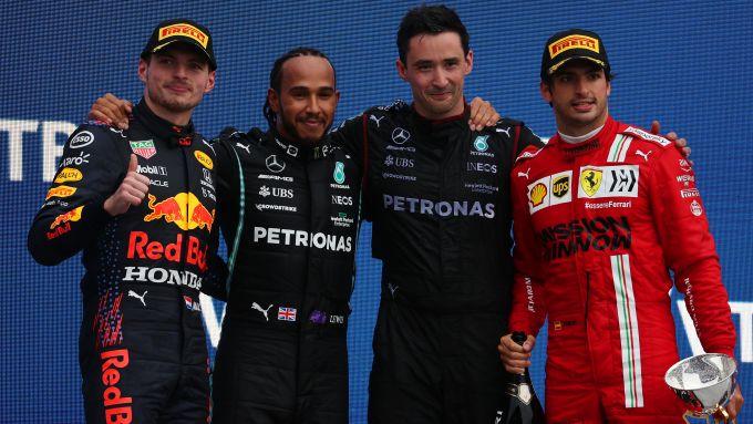 F1 GP Russia 2021, Sochi: il podio con Verstappen (Red Bull), Hamilton (Mercedes) e Sainz (Ferrari)