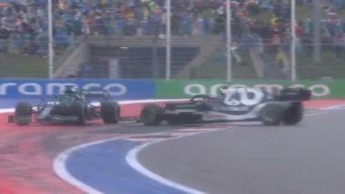 F1 GP Russia 2021, Sochi: l'incidente tra Lance Stroll (Aston Martin) e Pierre Gasly (AlphaTauri)