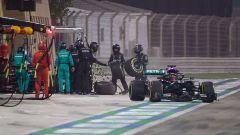 F1 GP Sakhir 2020, Manama: il pit-stop di George Russell e Valtteri Bottas (Mercedes AMG F1)