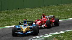 F1 GP San Marino 2005, Imola: Fernando Alonso (Renault) e Michael Schuamacher (Ferrari)