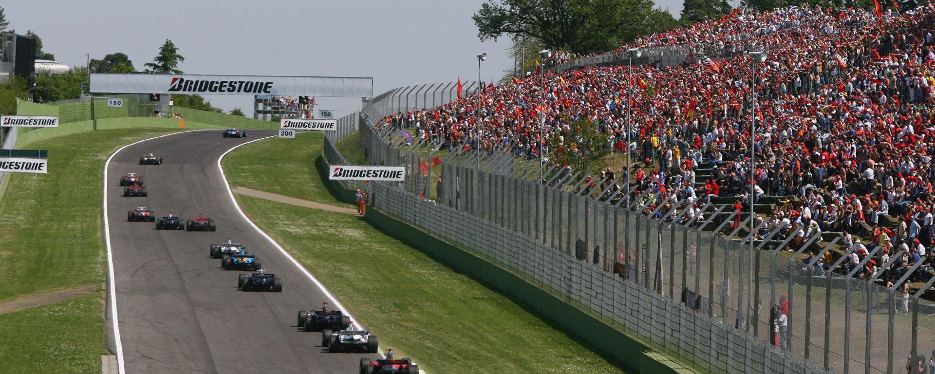 F1 GP San Marino 2006, Imola: la partenza della gara e il pubblico numeroso alla Tosa