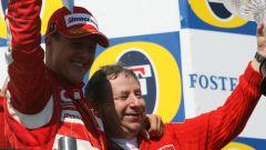F1 GP San Marino 2006, Schumacher e Todt festeggiano dopo la vittoria a Imola