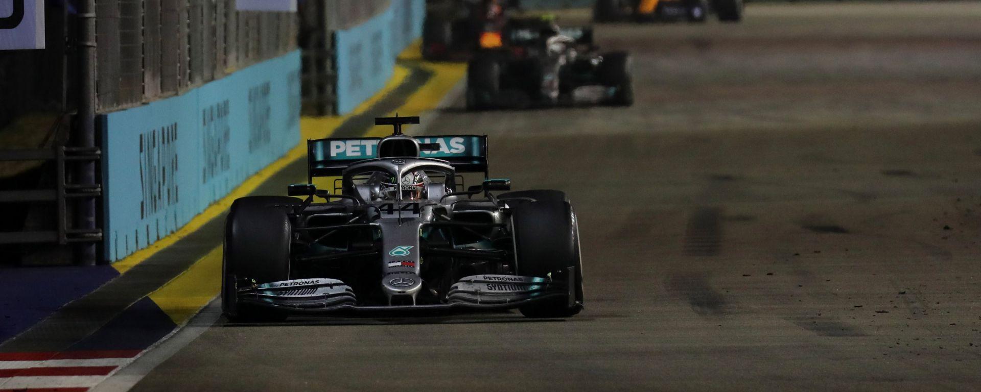 F1 GP Singapore 2019, Lewis Hamilton (Mercedes) alla guida della sua W10