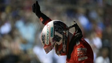F1 GP Singapore 2019, Marina Bay: Charles Leclerc (Ferrari) festeggia la pole position