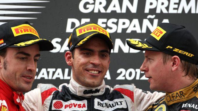 F1 GP Spagna 2012, Barcellona: Maldonado (Williams) sul podio con Alonso (Ferrari) e Raikkonen (Lotus)