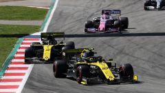 F1, GP Spagna 2019: Nico Hulkenberg, e Daniel Ricciardo (Renault) precedono Sergio Perez (Racing Point)