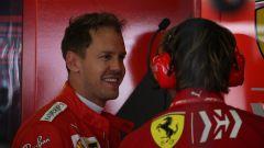 F1 GP Spagna 2019, Sebastian Vettel sorridente nel corso delle PL2