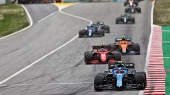 F1 GP Spagna 2021, Barcellona, Montmelò: Esteban Ocon (Alpine) guida un gruppone