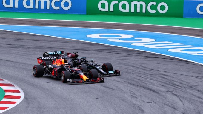 F1 GP Spagna 2021, Barcellona, Montmelò: Max Verstappen (Red Bull) e Lewis Hamilton (Mercedes)