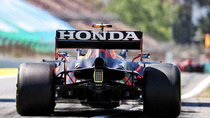 F1, GP Spagna 2021: La Red Bull RB16B ripresa alle spalle