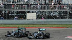 F1, GP Stati Uniti 2014: Lewis Hamilton e Nico Rosberg (Mercedes) in battaglia