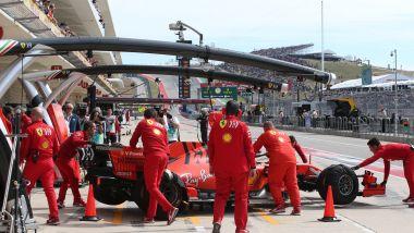 F1, GP Stati Uniti 2019: la Ferrari di Sebastian Vettel riportata nel box