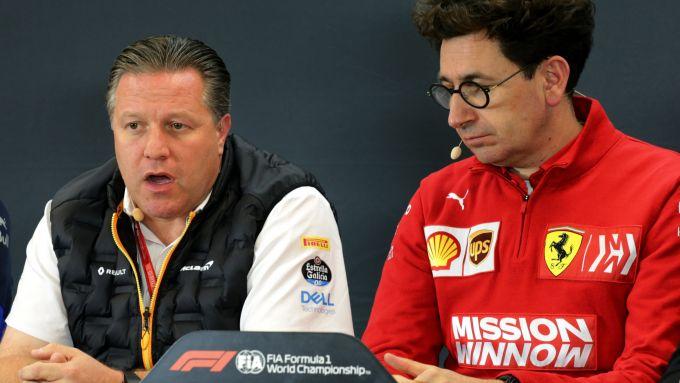 F1, GP Stati Uniti 2019: Zak Brown (CEO McLaren) e Mattia Binotto (team principal Ferrari)