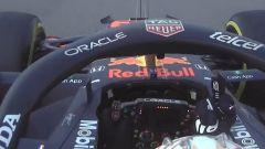 Hamilton e Verstappen, ruota a ruota e dito medio! - VIDEO