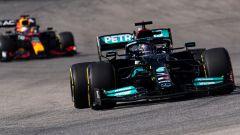 Horner sdrammatizza le tensioni tra Hamilton e Verstappen