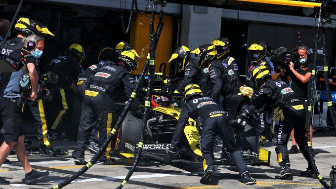 F1, GP Stiria 2020: gli effetti devastanti di Alonso su Esteban Ocon