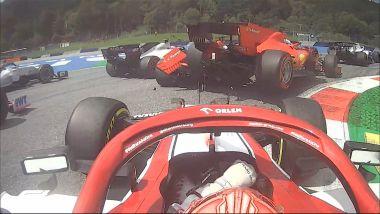 F1 GP Stiria 2020, Red Bull Ring: il contatto tra Sebastian Vettel e Charles Leclerc al via