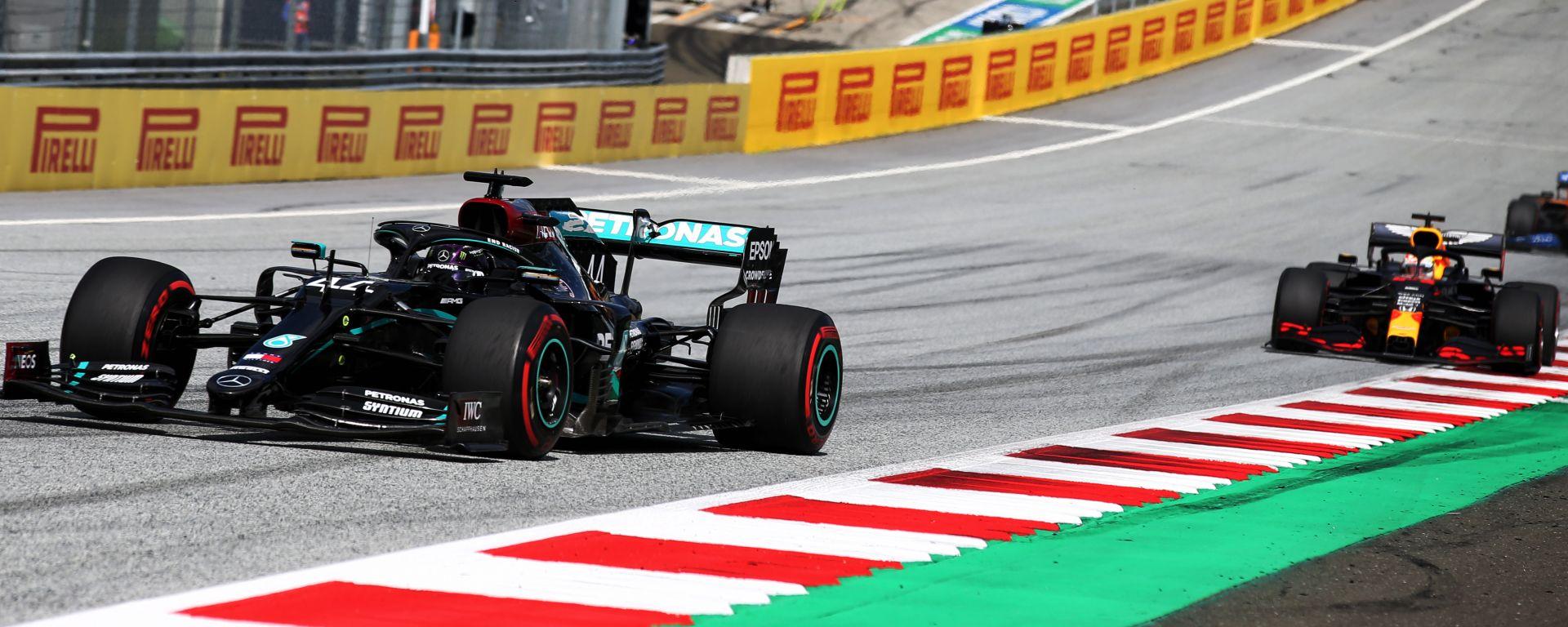 F1 GP Stiria 2020, Red Bull Ring: Lewis Hamilton (Mercedes) al comando nei primi giri di gara