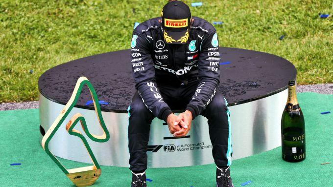 F1 GP Stiria 2020, Red Bull Ring: Lewis Hamilton (Mercedes) dopo la premiazione