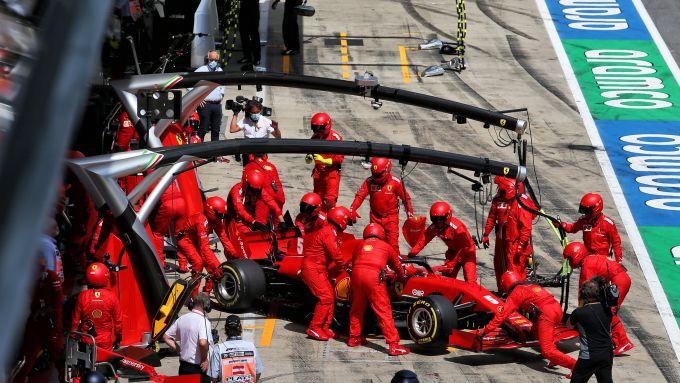 F1 GP Stiria 2020, Red Bull Ring: Sebastian Vettel (Ferrari) costretto al ritiro dopo l'incidente al primo giro