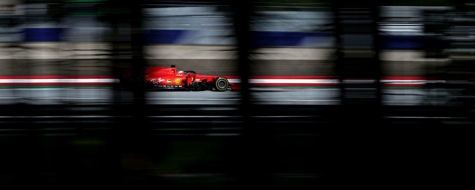 F1 GP Stiria 2020, Red Bull Ring: Sebastian Vettel (Ferrari) sfreccia in pista