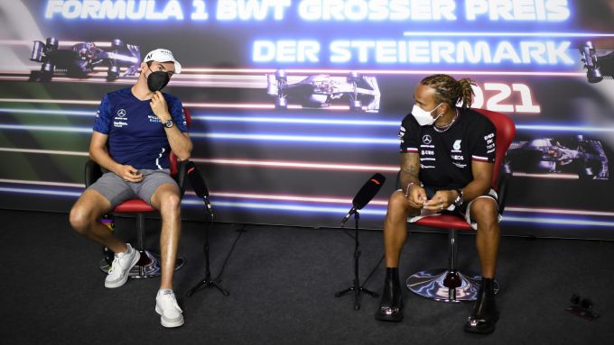 F1, GP Stiria 2021: Lewis Hamilton in conferenza stampa con Nicholas Latifi