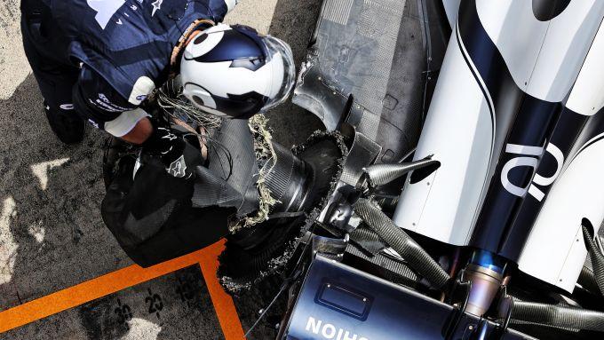 F1 GP Stiria 2021, Spielberg: la posteriore sinistra di Gasly (AlphaTauri) dopo il contatto con Leclerc