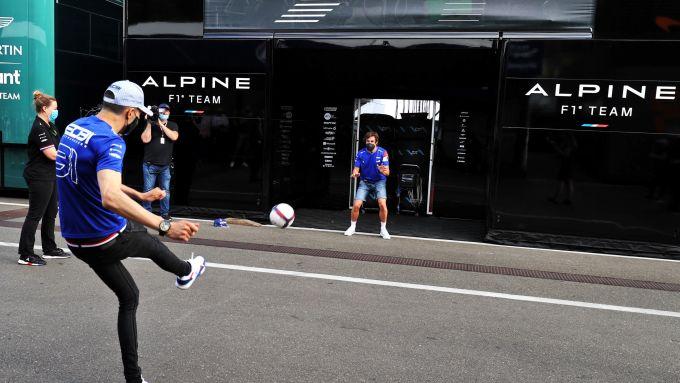 F1, GP Stiria 2021: uno dei potentissimi rigori di Karim Benzina