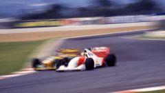 F1, GP Sudafrica 1993: Ayrton Senna (McLaren) in lotta con Michael Schumacher (Benetton)