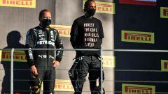 Hamilton, nessuna sanzione per la maglietta sul podio