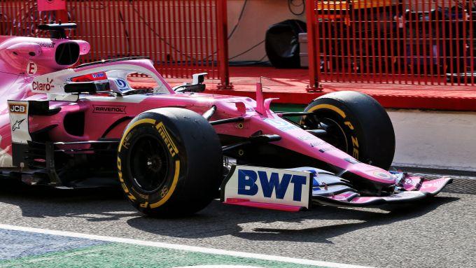 F1 GP Toscana 2020, Mugello: Sergio Perez (Racing Point) con l'ala rotta dopo il contatto