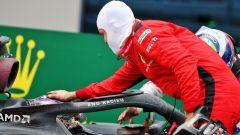 F1 GP Turchia 2020, Istanbul: Sebastian Vettel (Ferrari) si congratula con Lewis Hamilton (Mercedes)
