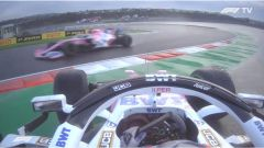 F1 GP Turchia 2020, Istanbul: Sergio Perez in testacoda mentre transita Lance Stroll (Racing Point)