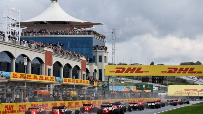 F1, GP Turchia 2021: la partenza della gara