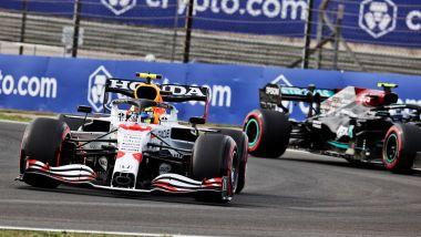 F1, GP Turchia 2021: Sergio Perez (Red Bull) e Valtteri Bottas (Mercedes)