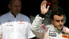 McLaren: Alonso, Dennis e la... pesca della discordia
