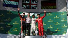 F1 GP Ungheria 2019: il podio con Hamilton (Mercedes), Verstappen (Red Bull) e Vettel (Ferrari)