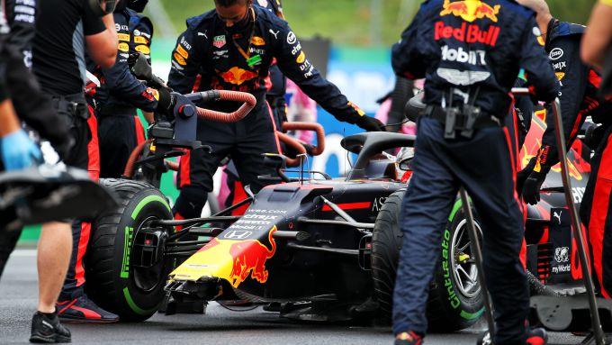 F1 GP Ungheria 2020, Budapest: la Red Bull danneggiata da Max Verstappen prima del via