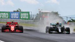 F1, GP Ungheria 2020: Charles Leclerc (Ferrari) viene superato da Valtteri Bottas (Mercedes)