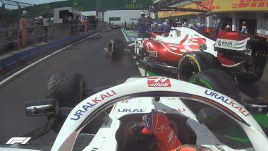 F1 GP Ungheria 2021, Budapest: il contatto in pit-lane tra Mazepin (Haas) e Raikkonen (Alfa Romeo)