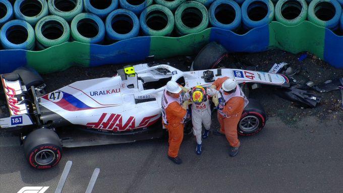 F1 GP Ungheria 2021, Budapest: Mick Schumacher (Haas F1 Team) dopo l'incidente nelle PL3